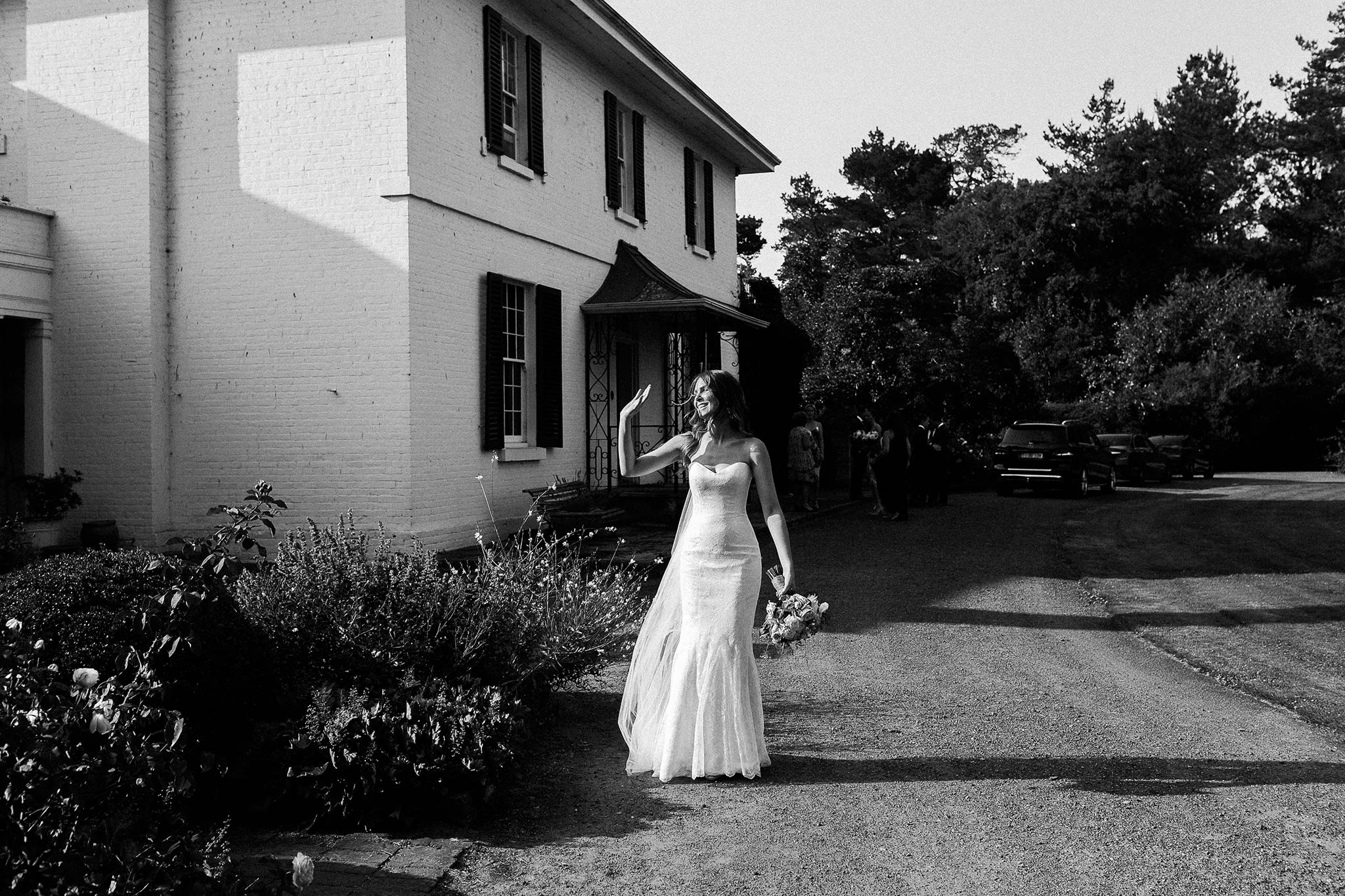 Launceston-Brickendon-Wedding-Photographer-bride-leaving