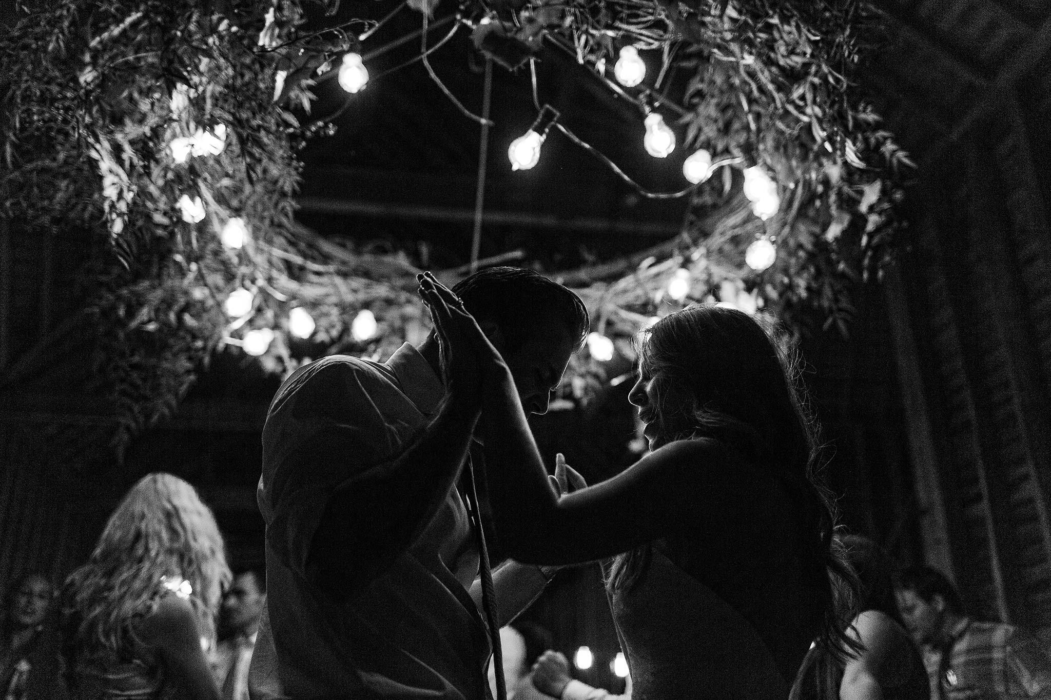 Launceston-Brickendon-barn-Wedding-Photographer-reception-bride-groom-dance