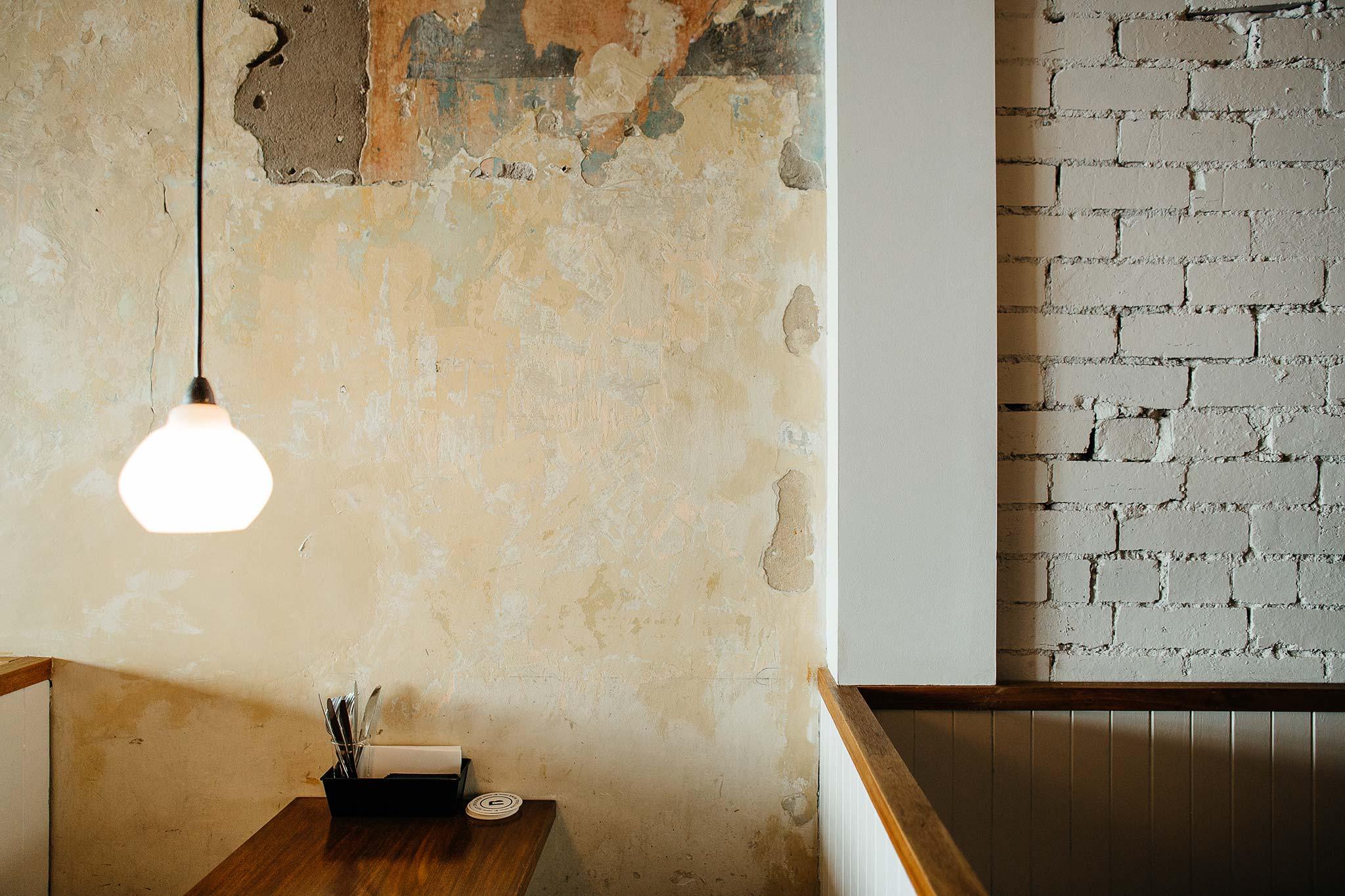 Belles-hot-chicken-windsor-wall-texture