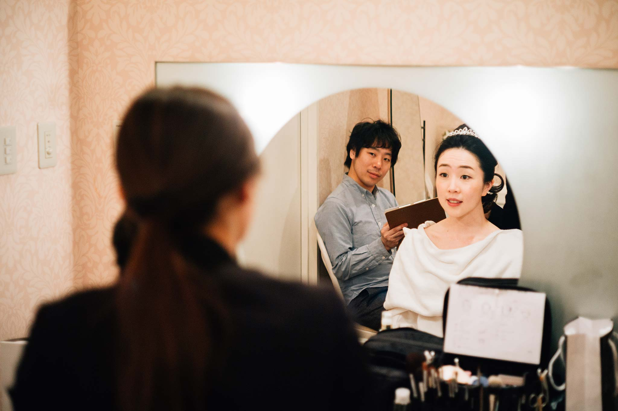 Osaka-Banpaku-Geihinkan-Wedding-getting-ready-dressing-room