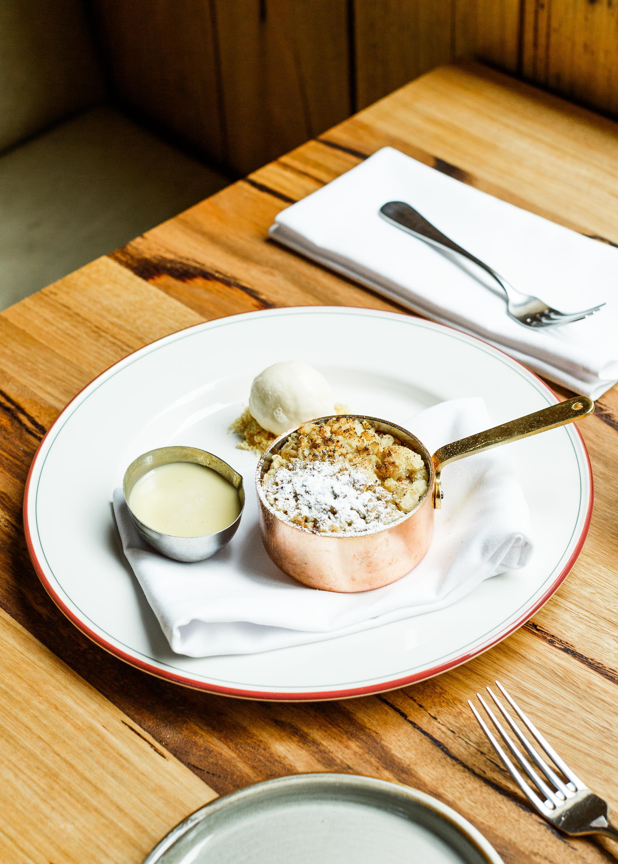 Half-Moon-Brighton-dessert-copper-pot