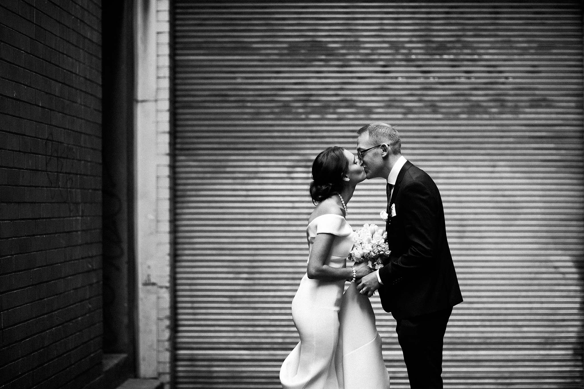melbourne-flinders-lane-wedding-portrait-laneway