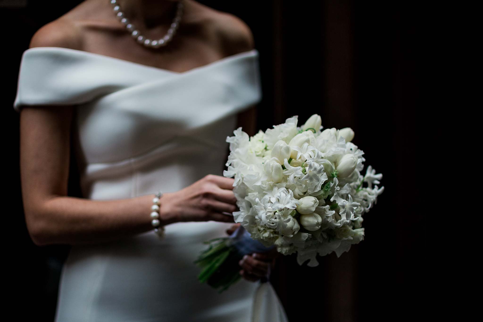 melbourne-flinders-lane-wedding-bride-flower