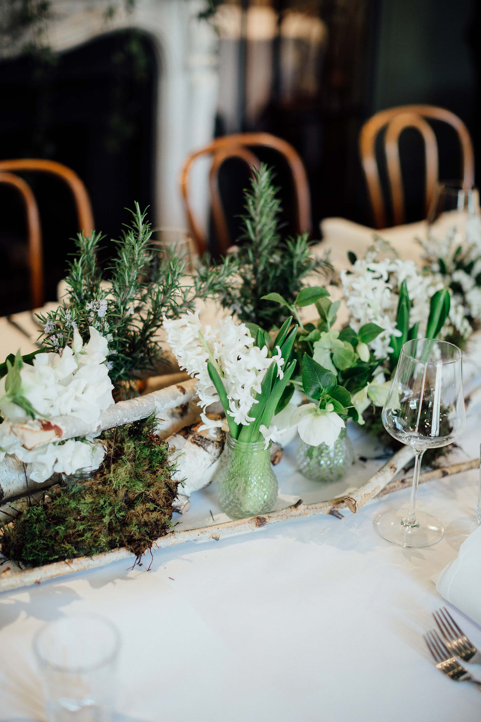 melbourne-entrecote-wedding-ceremony-flower-arrangement