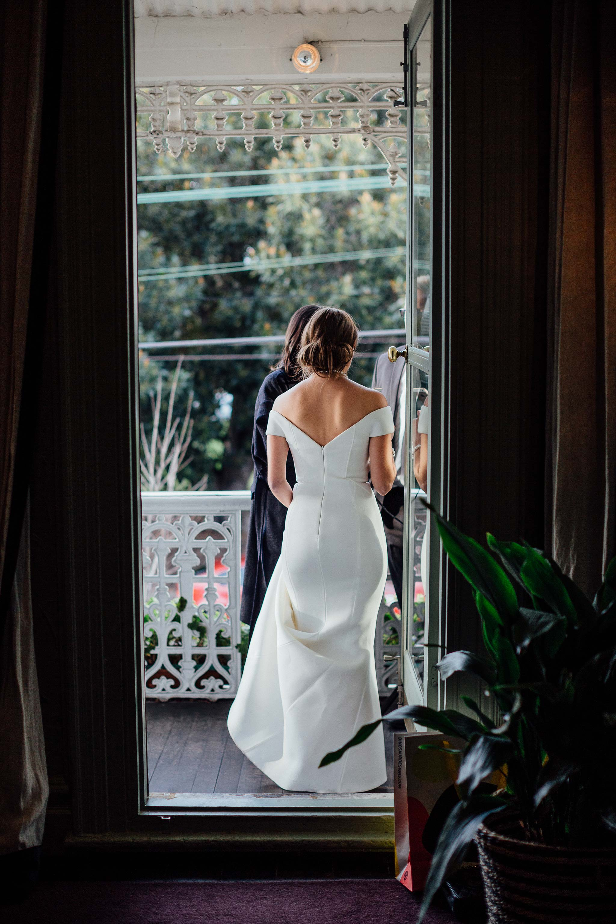melbourne-entrecote-wedding-ceremony-arrival-bride