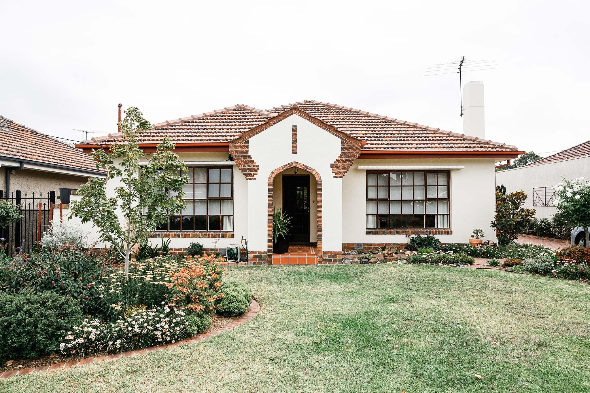 Strathmore-Melbourne-Backyard-Wedding-House