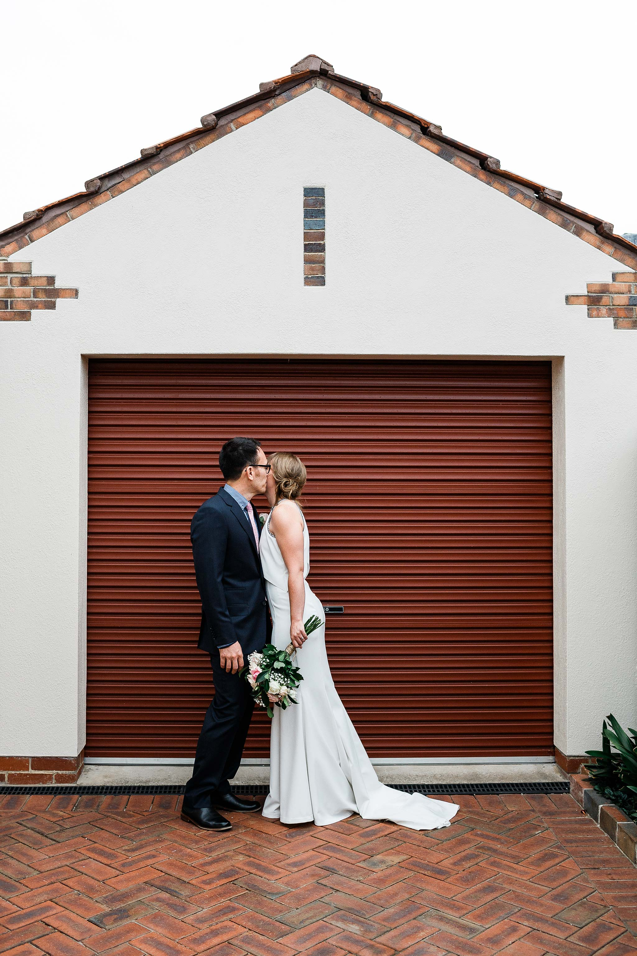 Strathmore-Melbourne-Backyard-Wedding-backyard-kiss