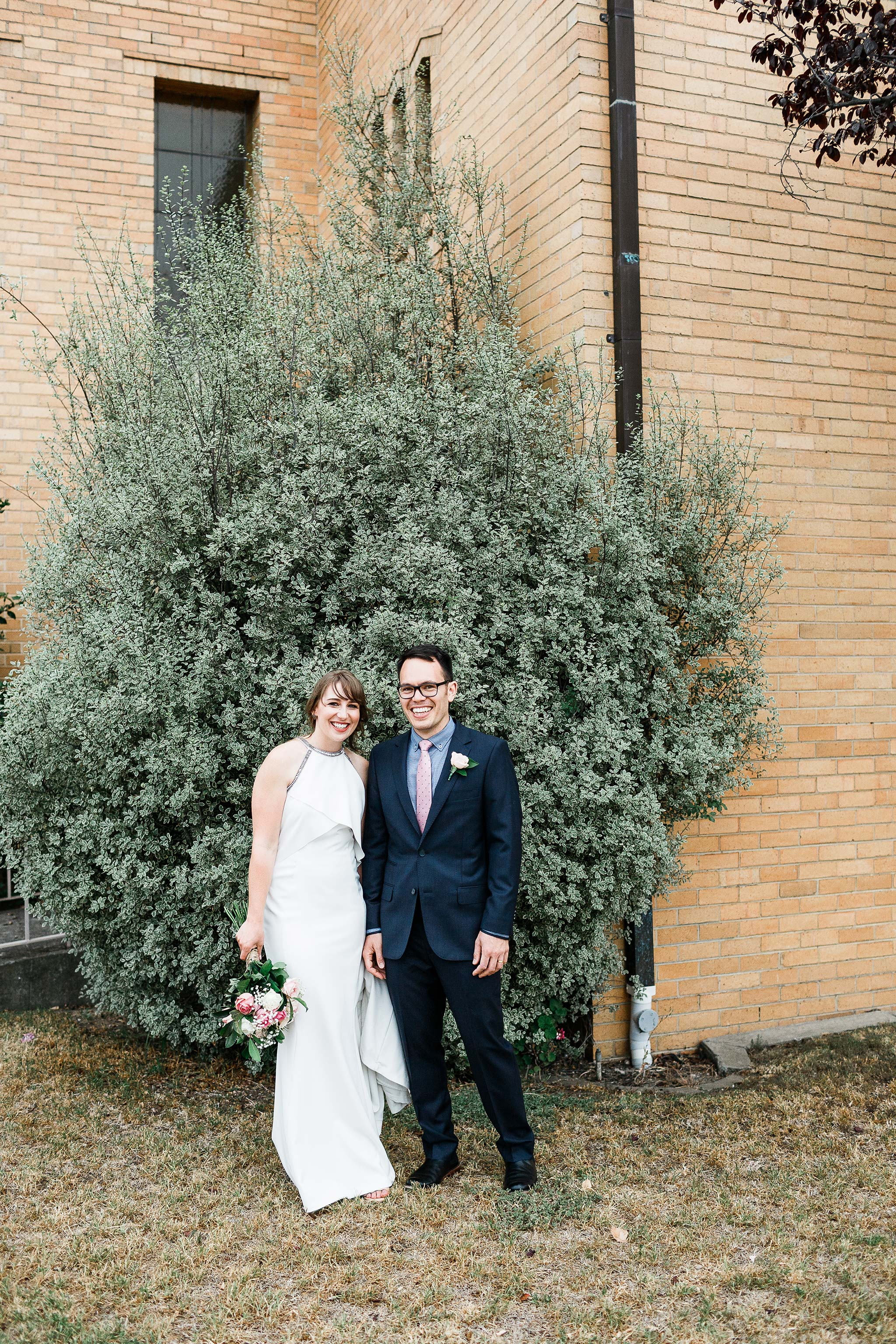 Strathmore-Melbourne-Backyard-Wedding-bride-groom-tree