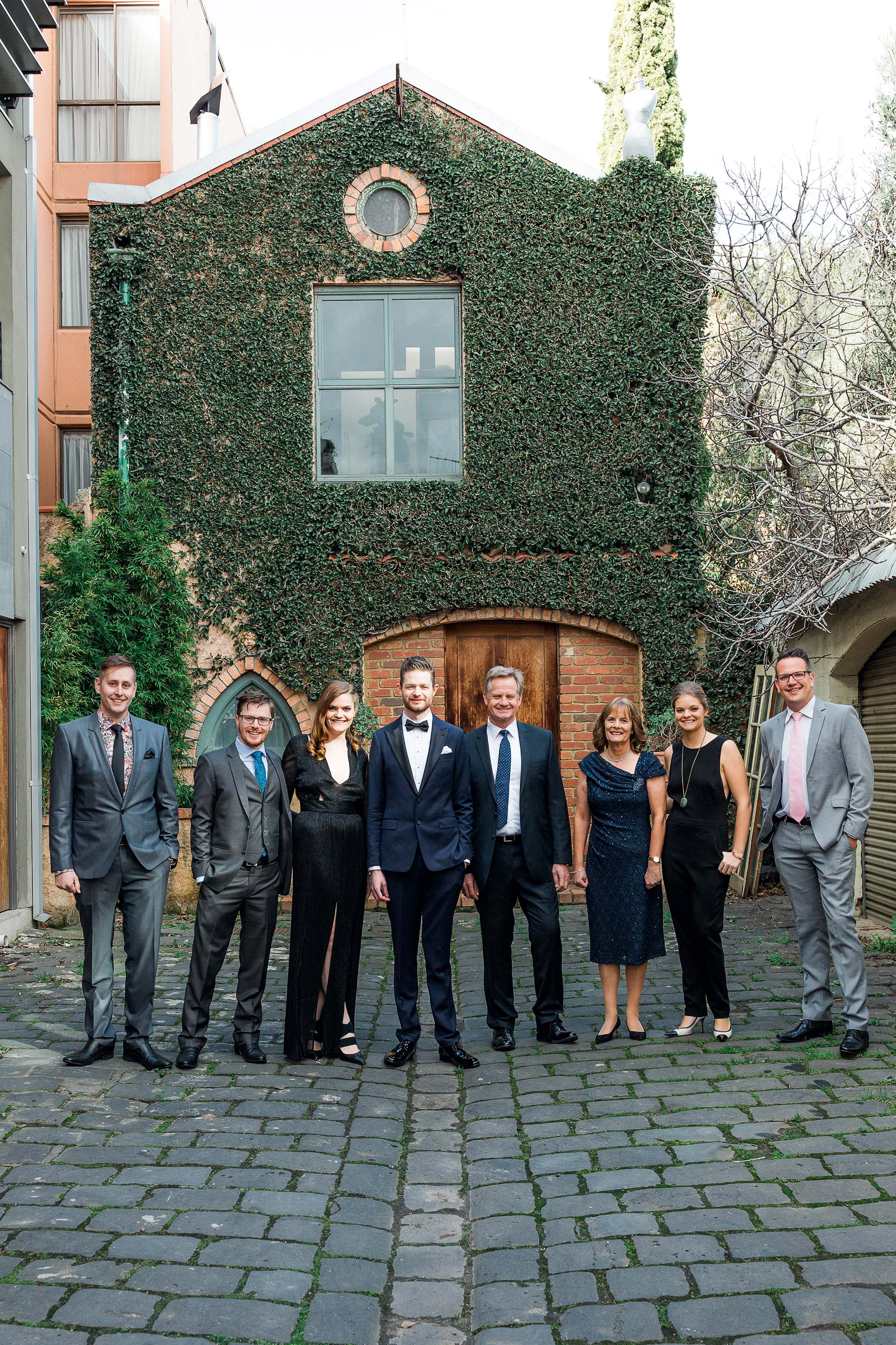 melbourne-fitzroy-st-andrews-conservatory-pumphouse-wedding-groom-family-group