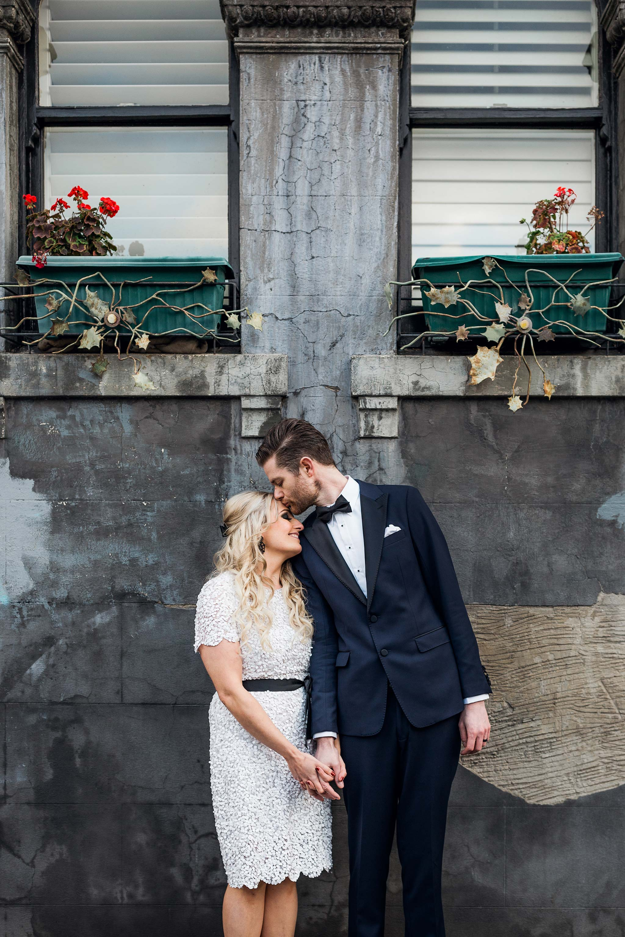 melbourne-fitzroy-st-andrews-conservatory-pumphouse-wedding-couple-portraits