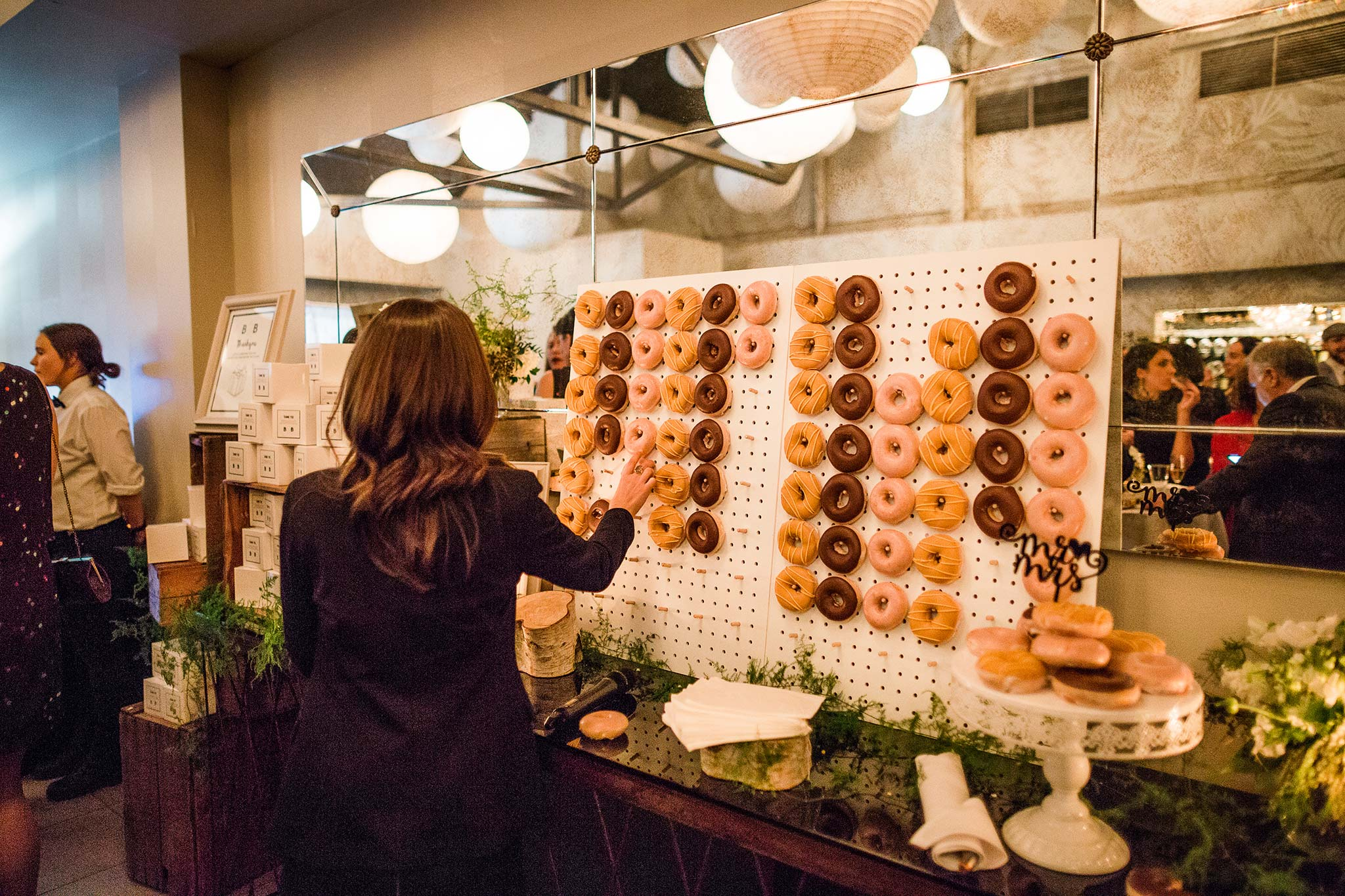 melbourne-fitzroy-st-andrews-conservatory-pumphouse-wedding-reception-donut-wall