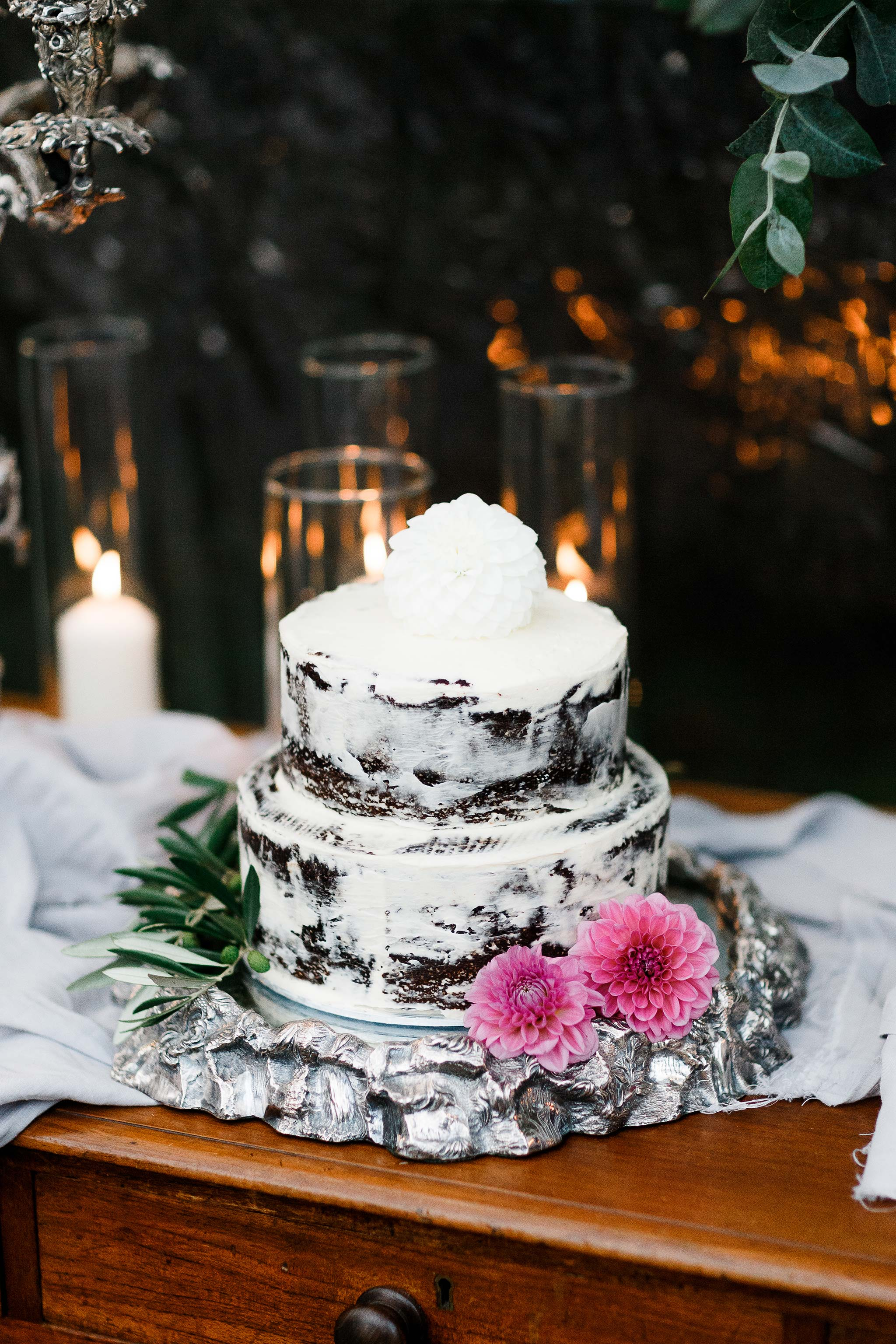 Tasmania-Davenport-Farm-Wedding-cake