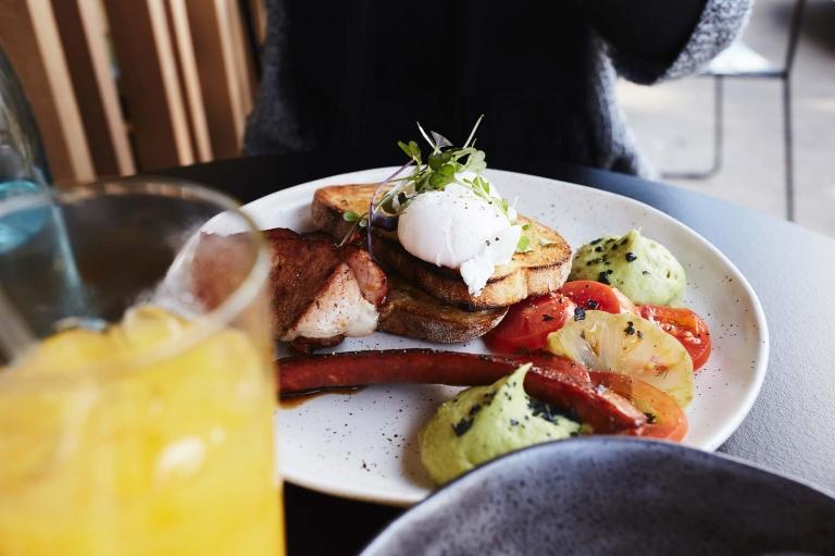 down-the-rabbit-hole-templestowe-breakfast