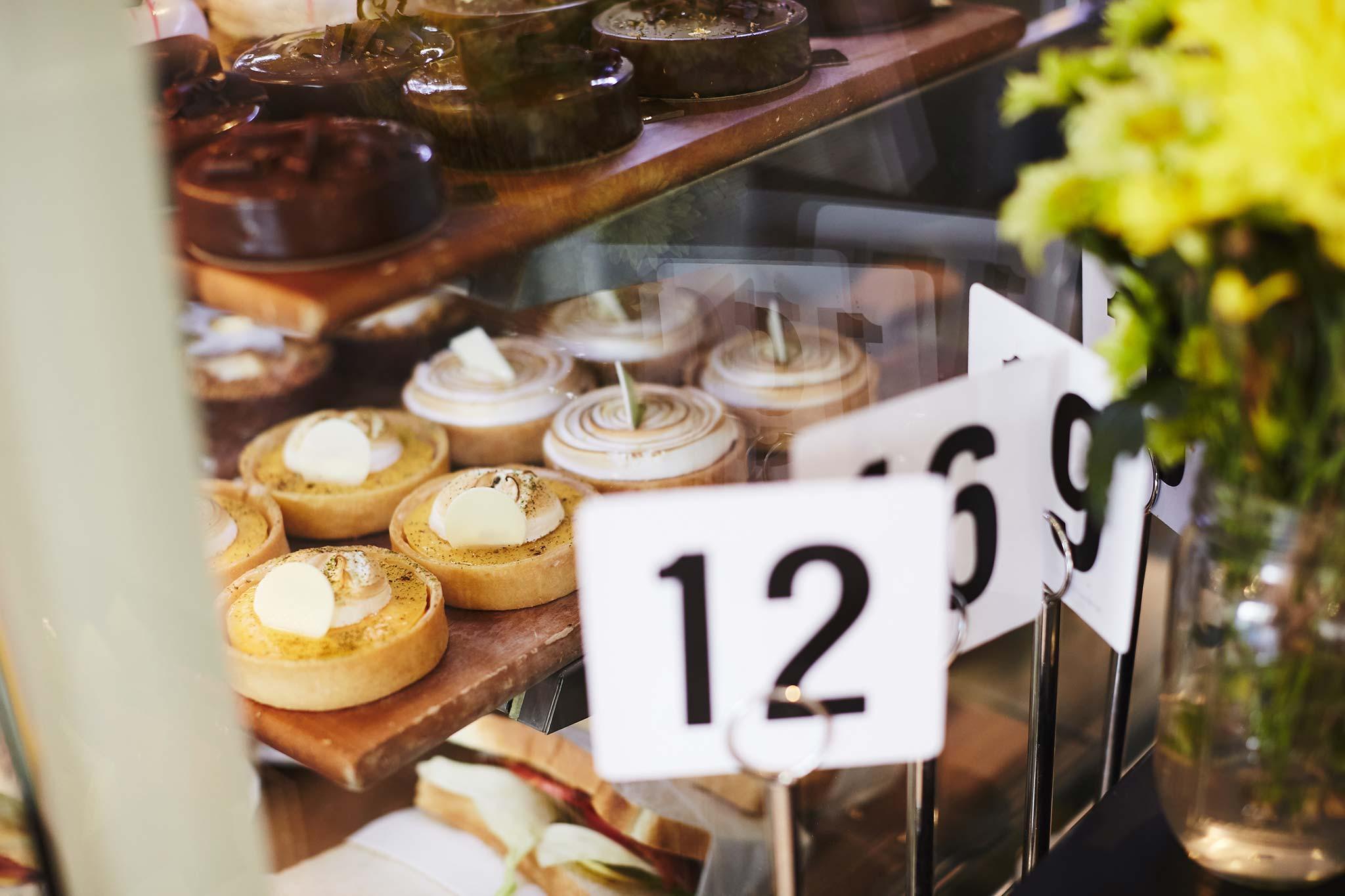 templestowe-lifestyle-photographer-salted-caramel-cakes