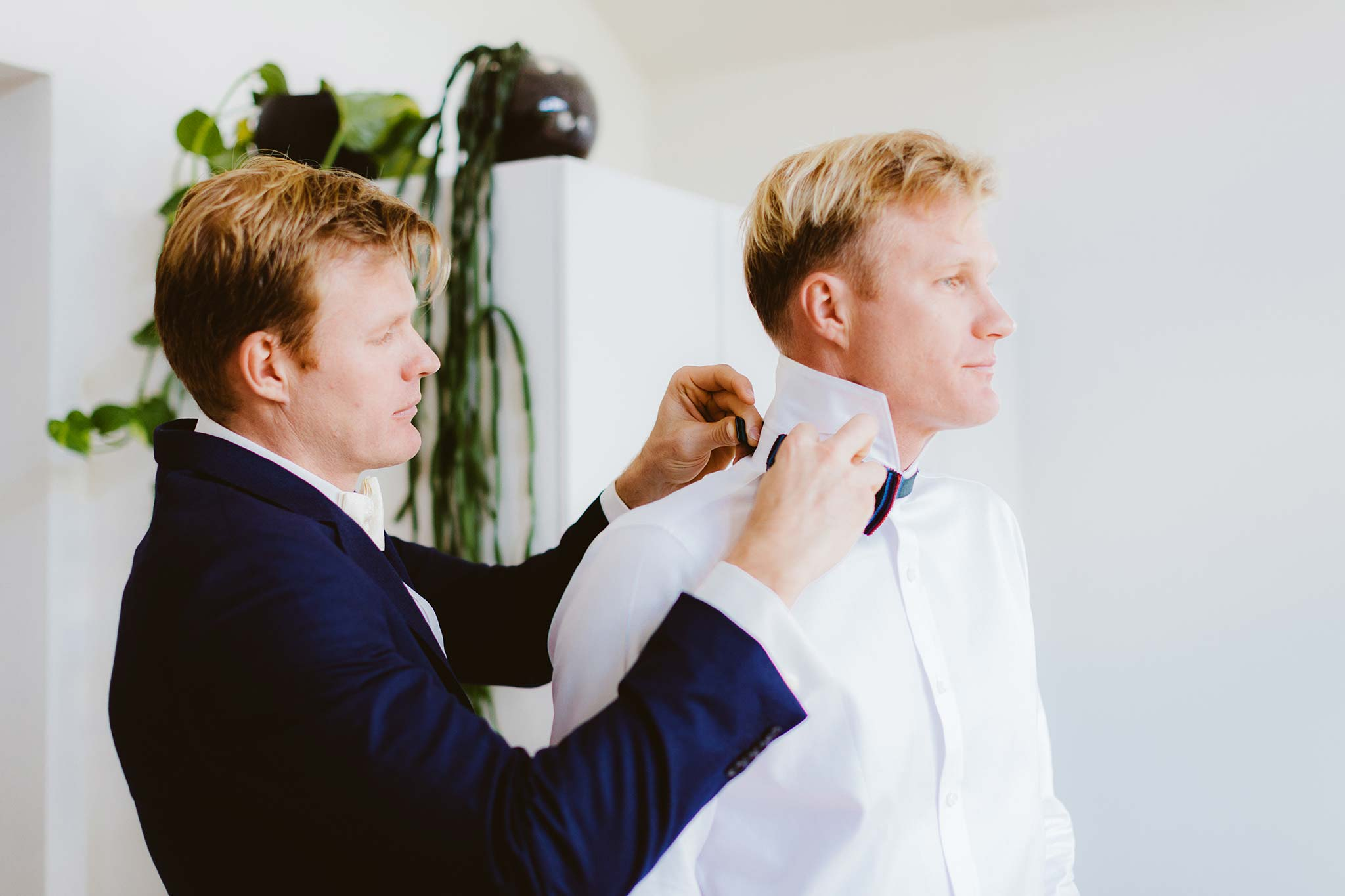 Melbourne-Fitzroy-Surprise-Winter-Wedding-photographer-getting-ready-groom