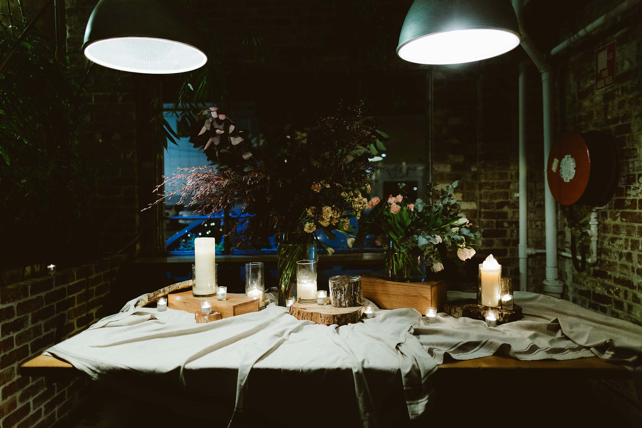 Melbourne-North-Carlton-East-Elevation-Surprise-Winter-Wedding-photographer-table-decoration