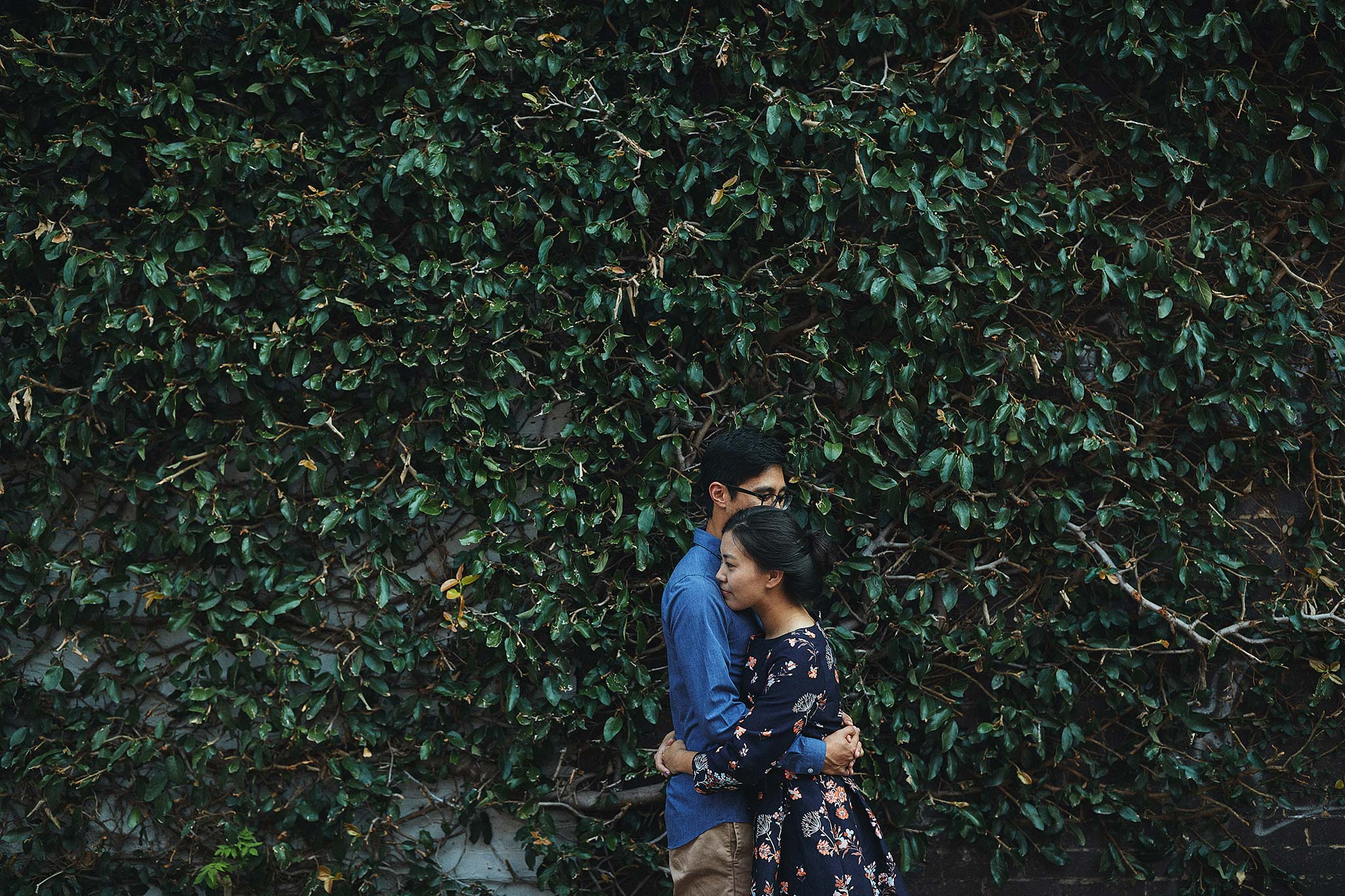 windsor-wedding-photographer-green-wall