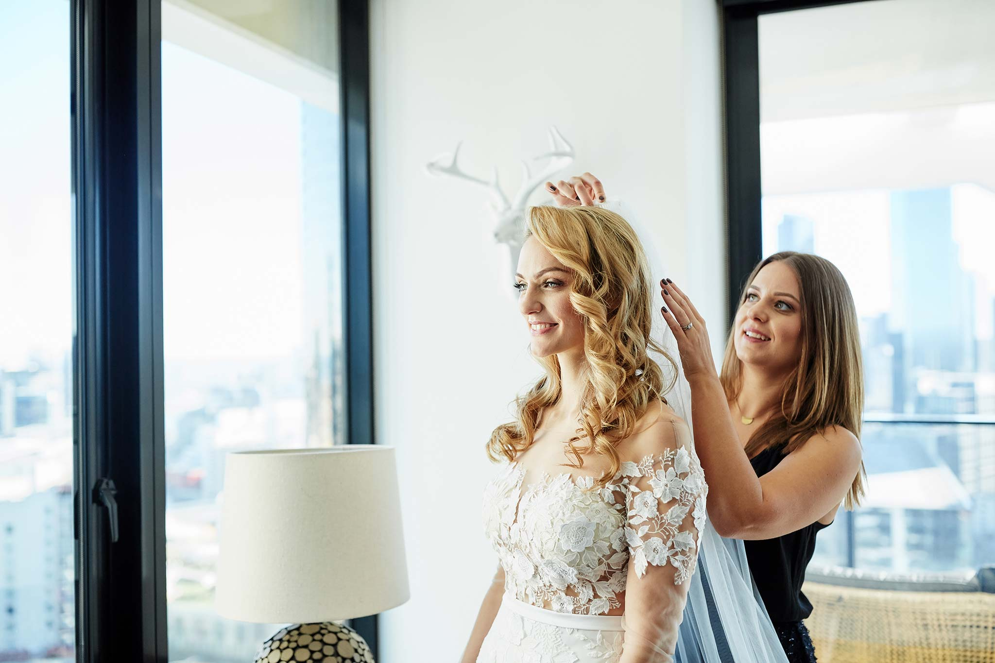 Melbourne-Wedding-Photographer-service-apartment-getting-ready