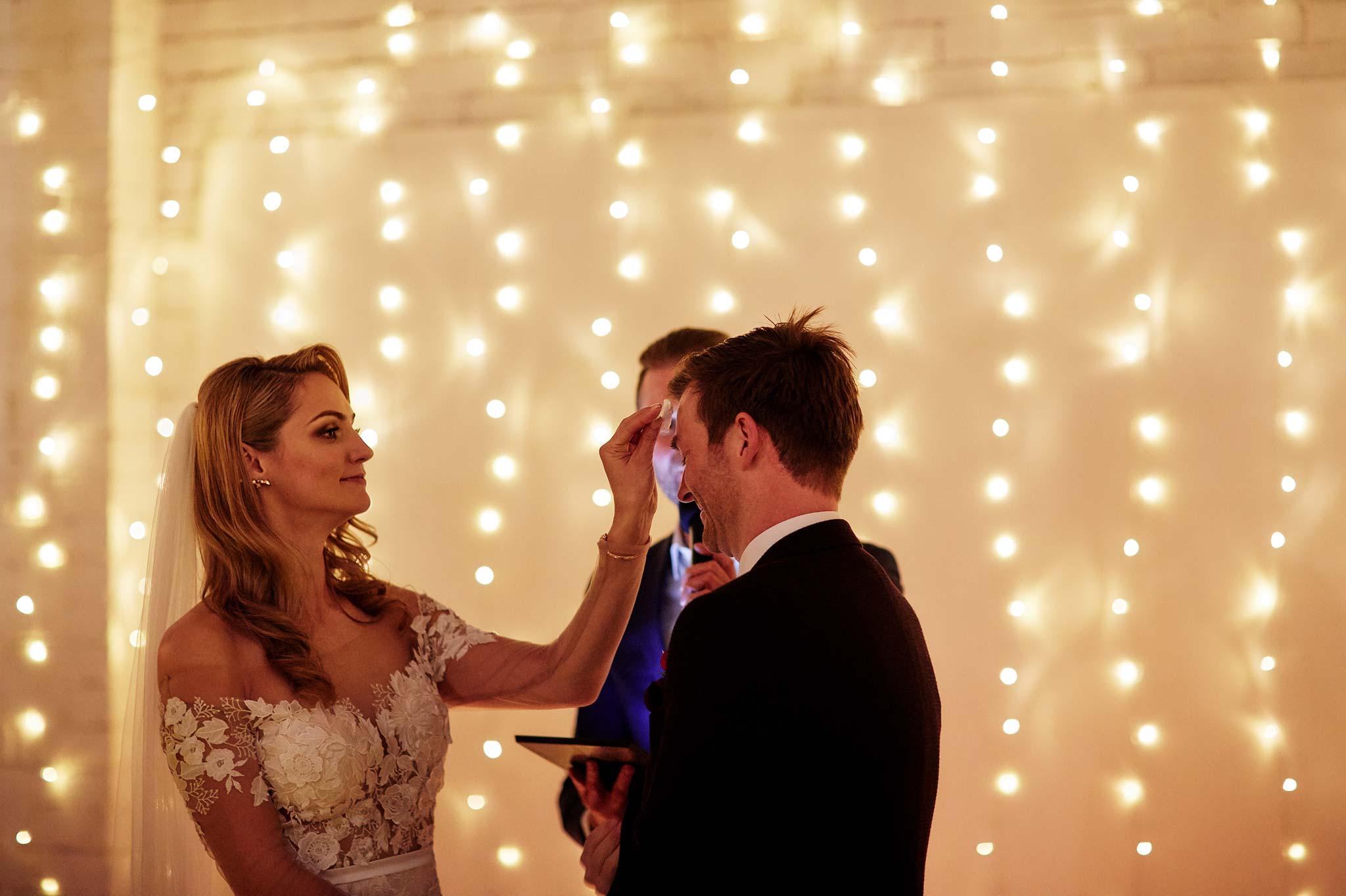 Melbourne-Wedding-Photographer-smartartz-gallery-ceremony-sweat