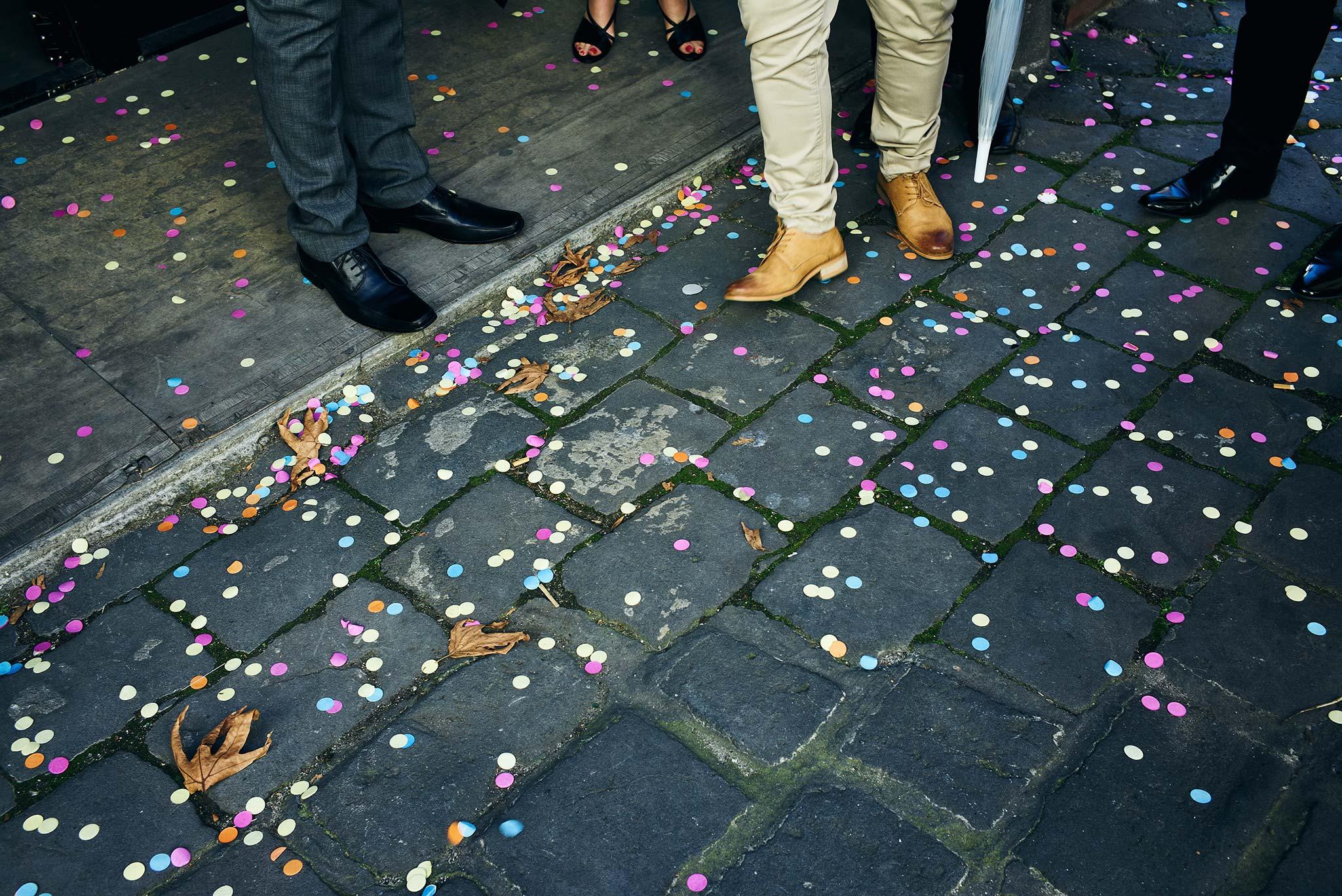 Melbourne-Wedding-Photographer-smartartz-gallery-ceremony-confetti