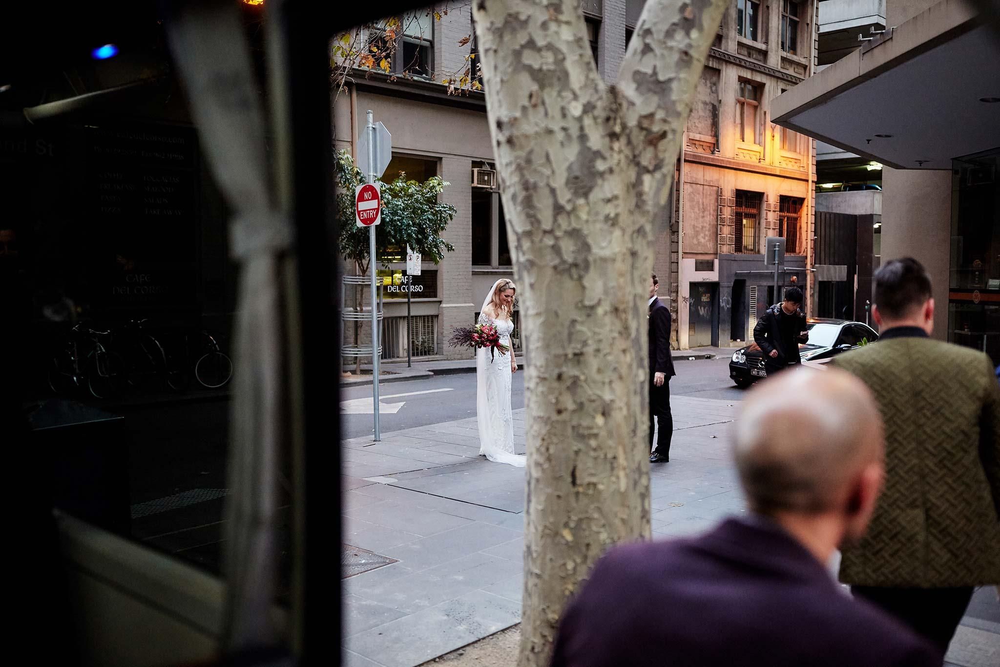 Melbourne-tour-bus-wedding-bride-arrival