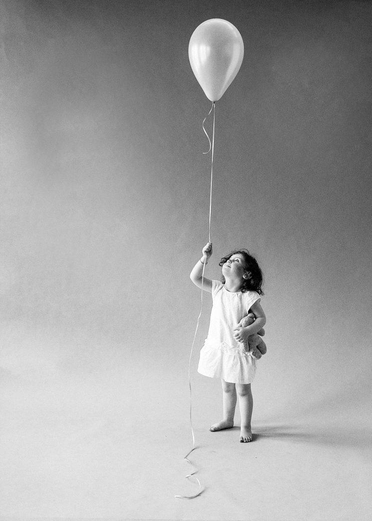 Melbourne-Portrait-Photographer-Balloon