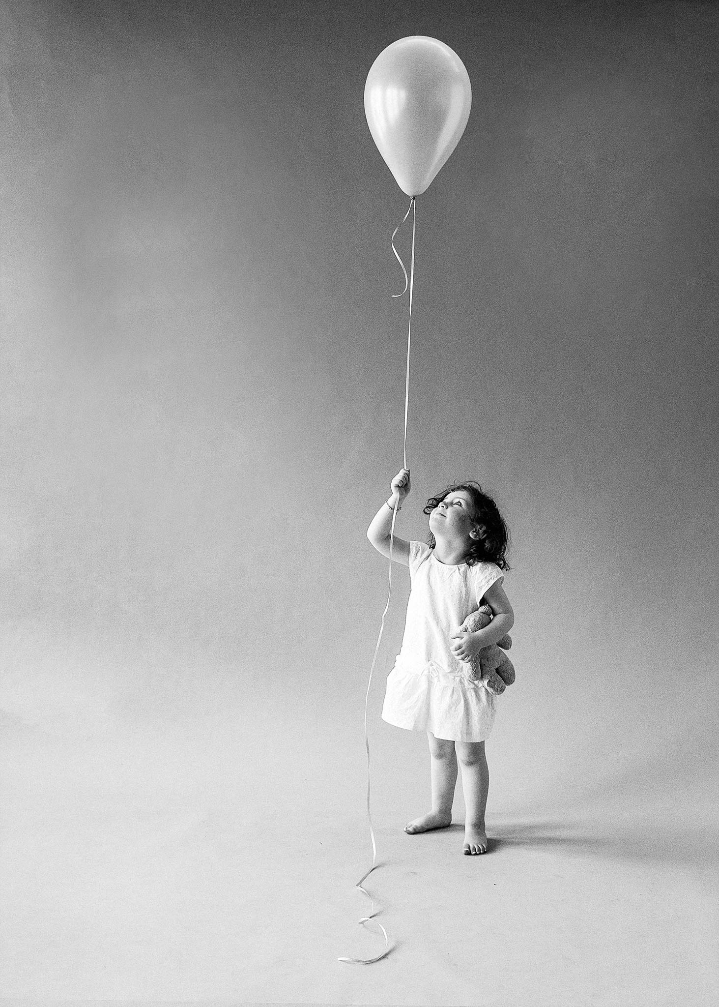 Melbourne-Portrait-Photographer-Balloon