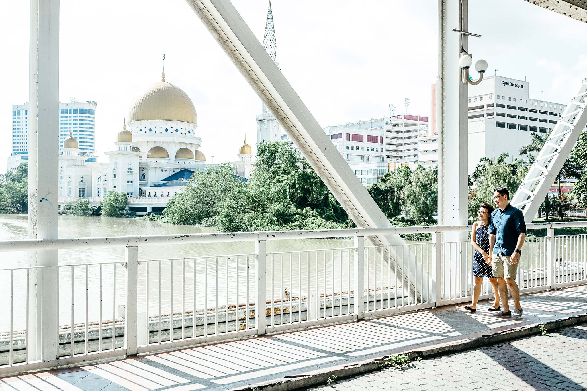Klang-Engagement-Pre-Wedding-Photographer-Klang-River-Bridge