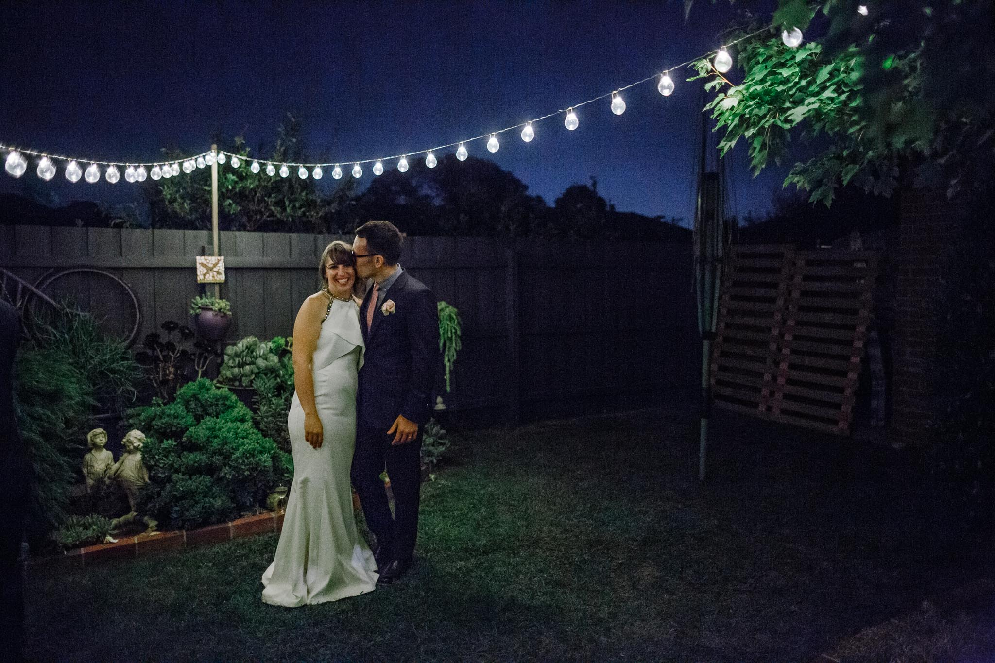 Strathmore-Melbourne-Backyard-Wedding-garden-kiss