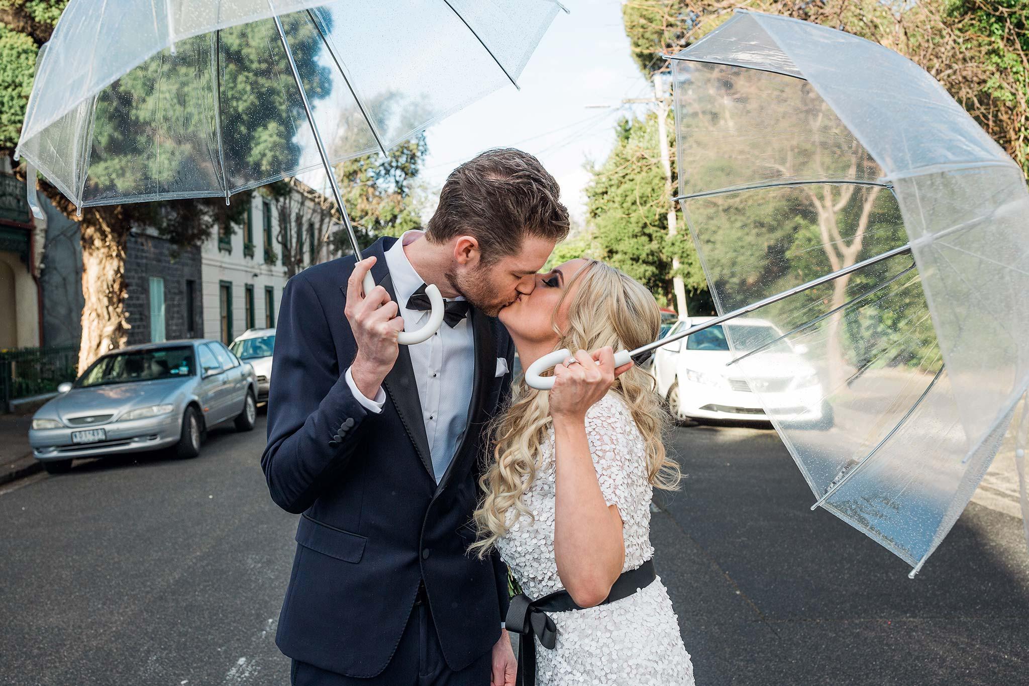 melbourne-fitzroy-st-andrews-conservatory-pumphouse-wedding-venue-bride-groom-kiss