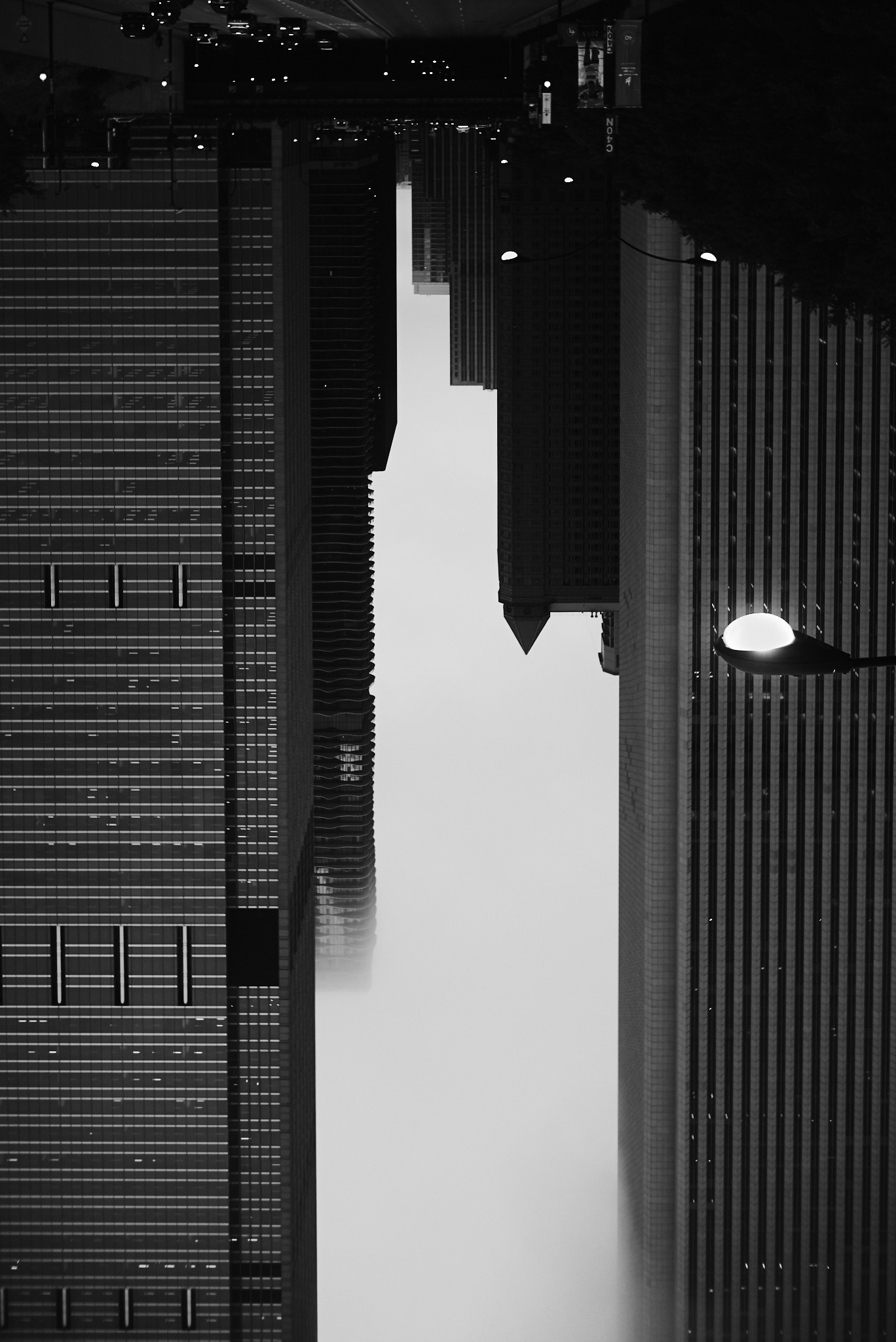 chicago-travel-photographer-leica-upside-down-skyscraper