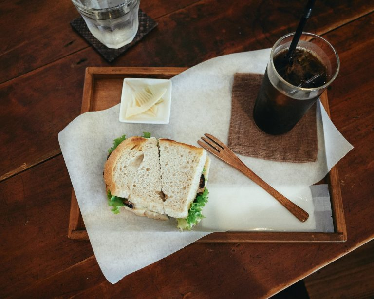 petani-cafe-itoshima-fukuoka-coffee-set-chicken-sandwich