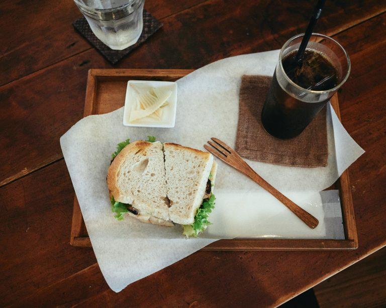 petani-cafe-itoshima-fukuoka-coffee-set-chicken-sandwich