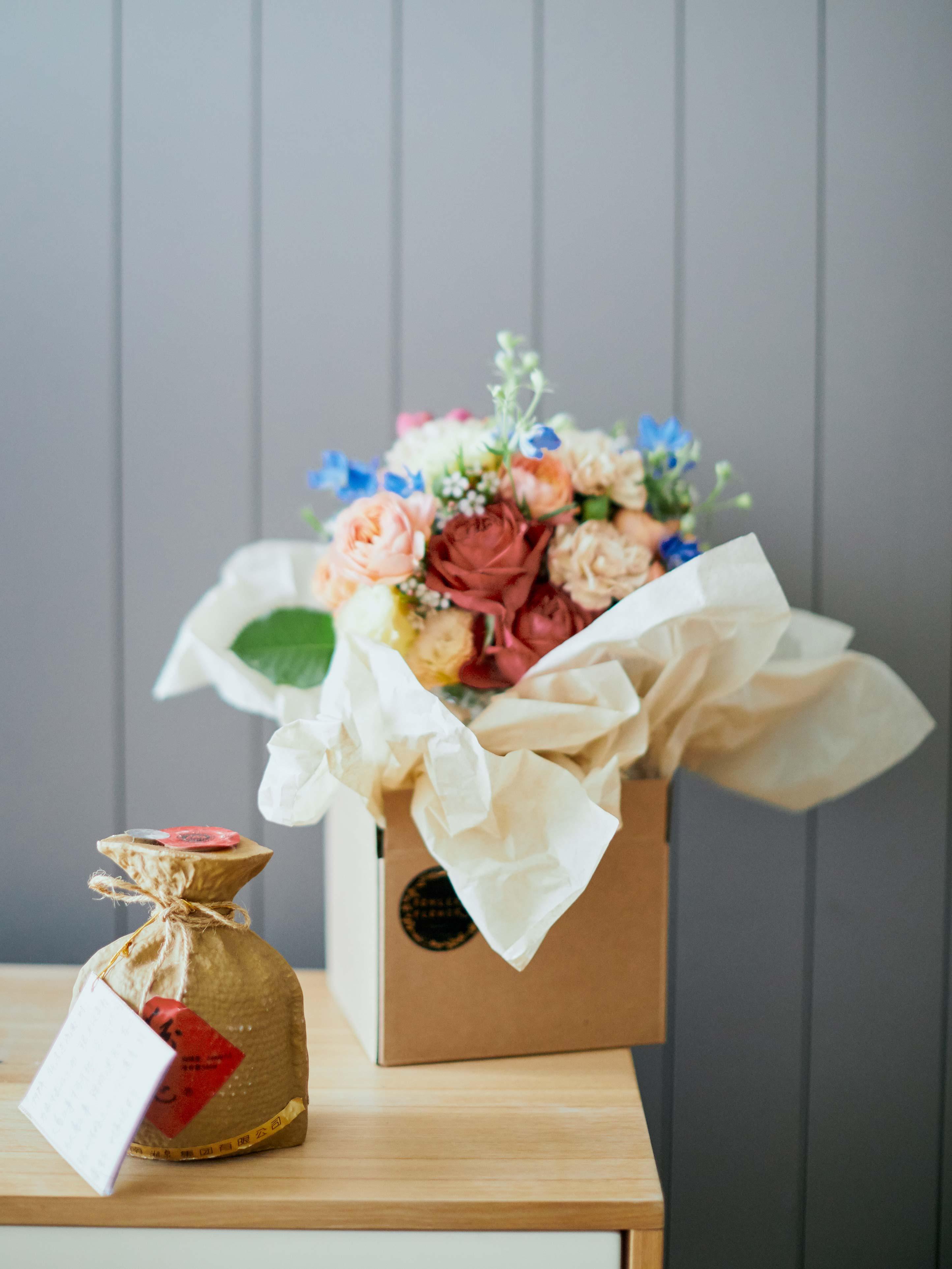 Melbourne-Wedding-Photographer-Kettle-Black-bouquet