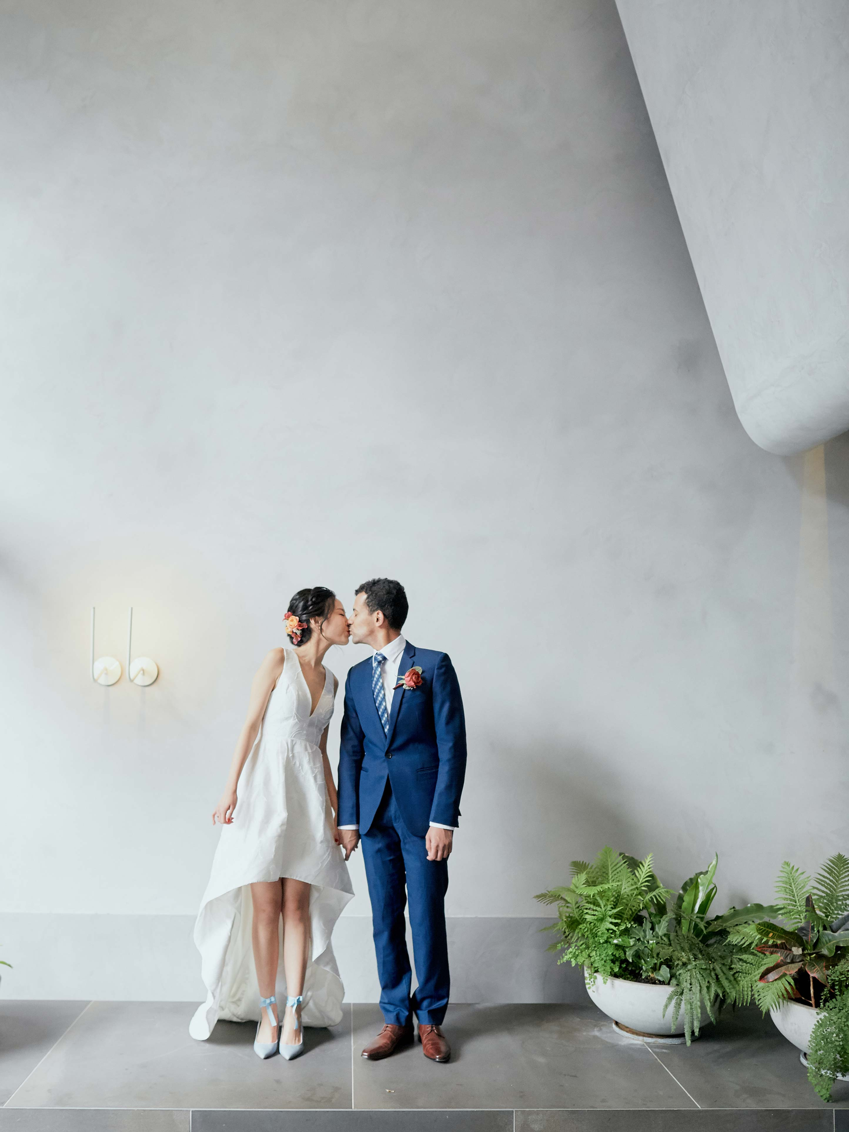Melbourne-Wedding-Photographer-Kettle-Black-kiss