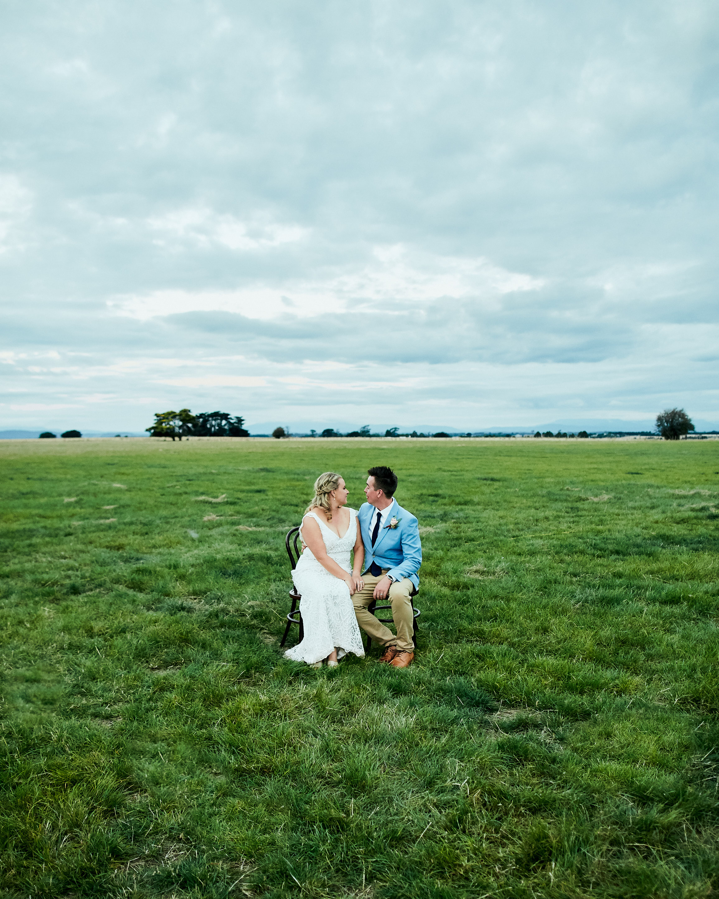 Melbourne-destination-wedding-photographer-launceston-bride-groom