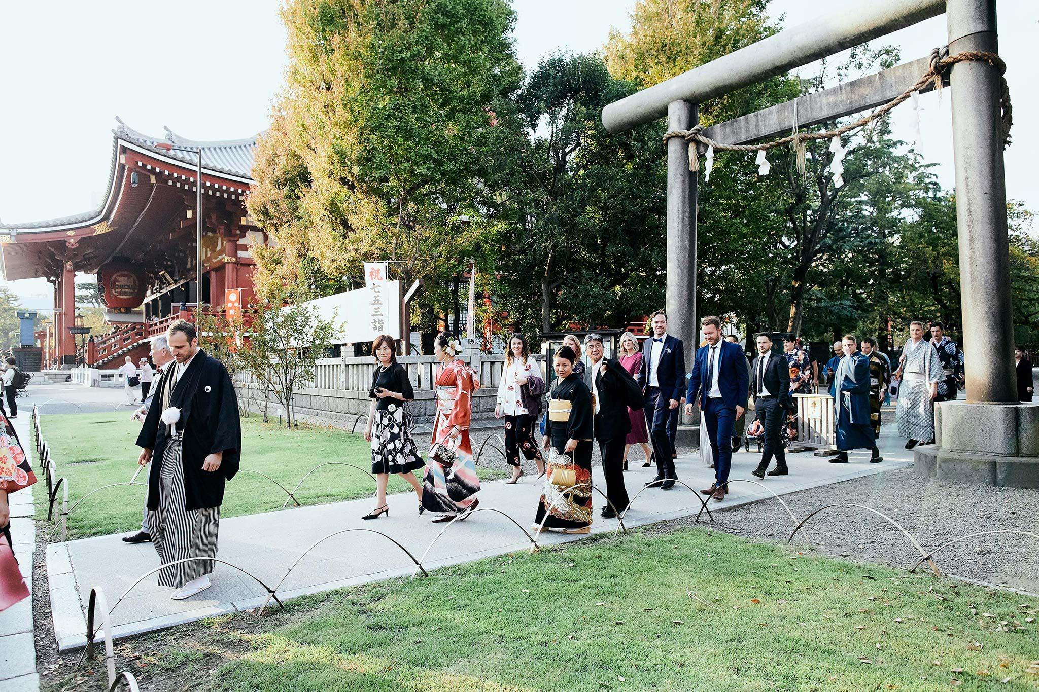 tokyo asakusa shrine traditional wedding leaving ceremony
