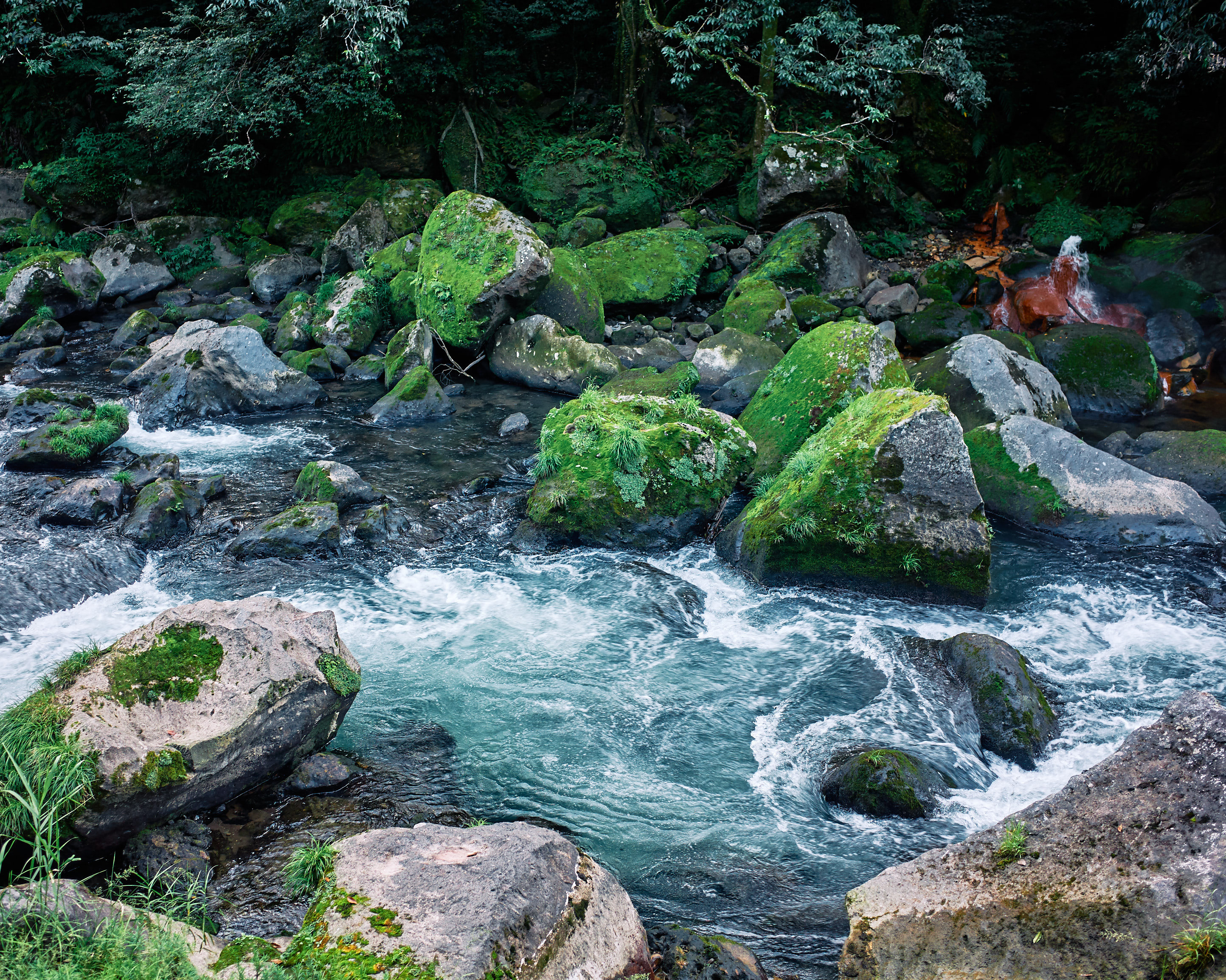 japan travel photographer kagoshima kirishima onsen river view