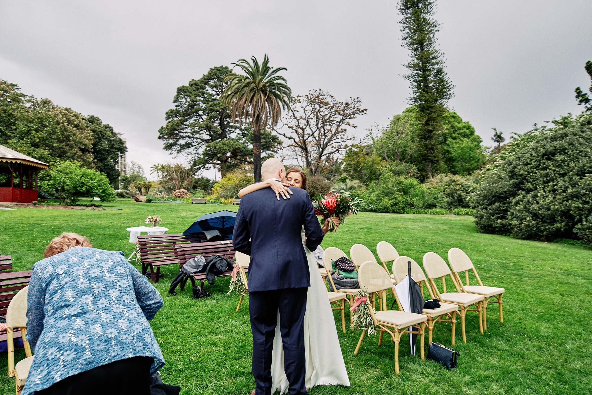 Melbourne Royal Botanical Garden Wedding Ceremony embrace