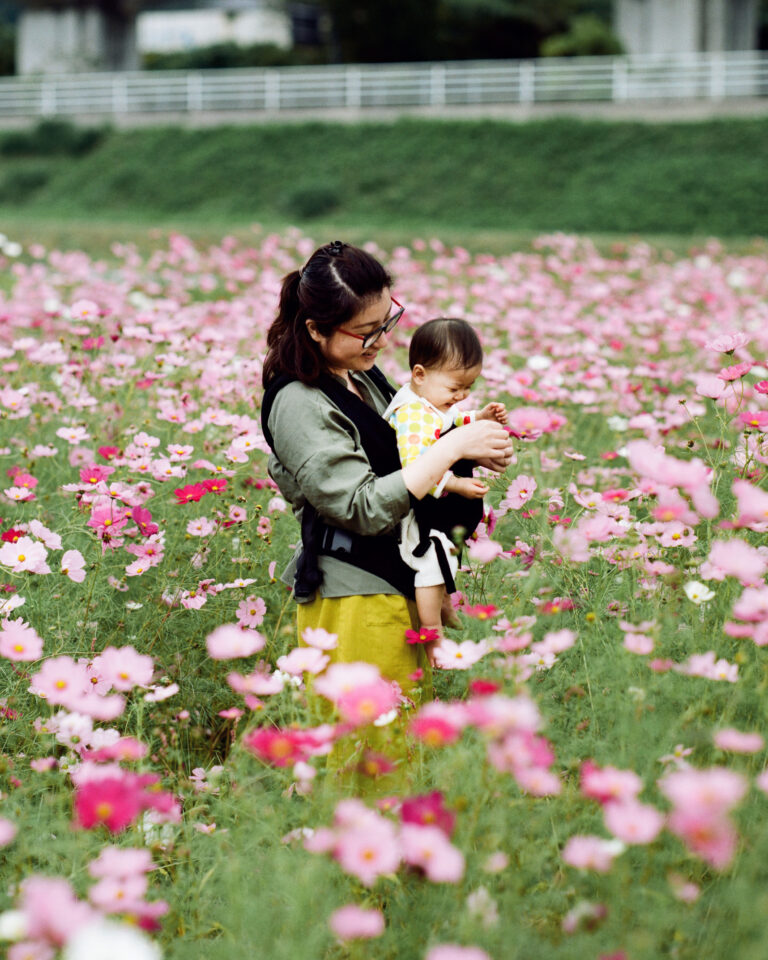 Pentax 67ii Itoshima Cosmos Garden Mother Daughter