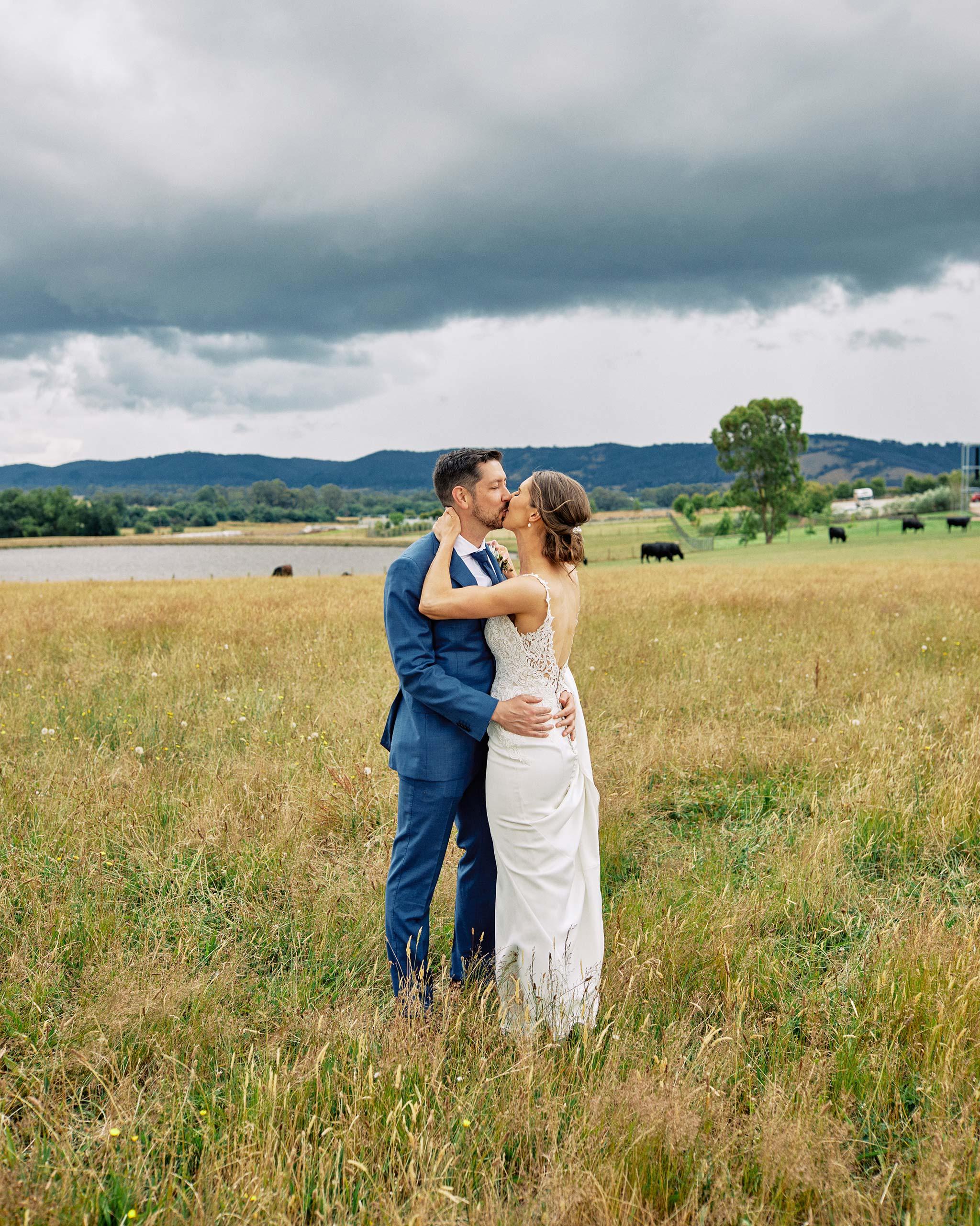 Zonzo estate wedding cloudy day