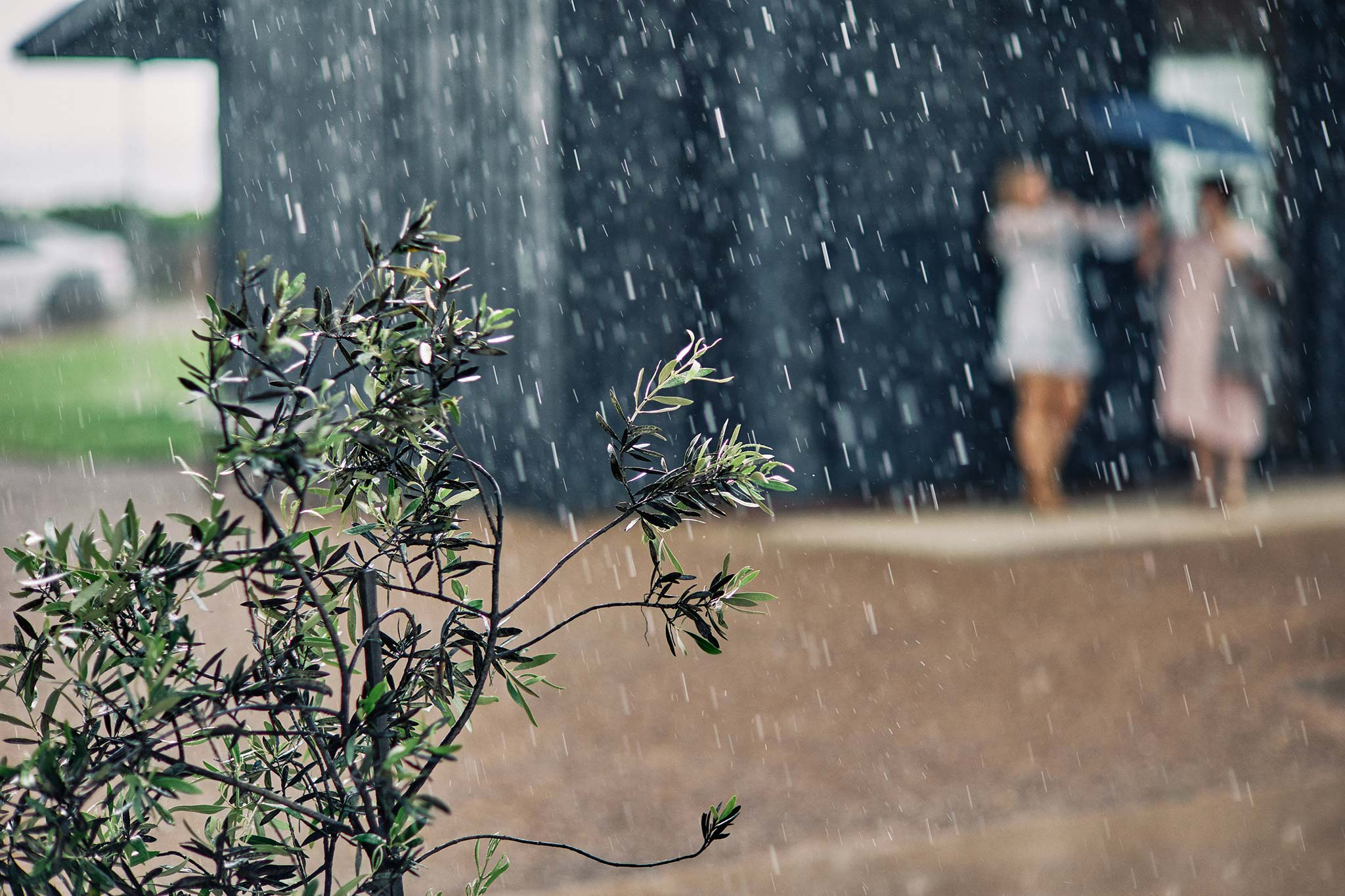 Zonzo estate wedding heavy rain