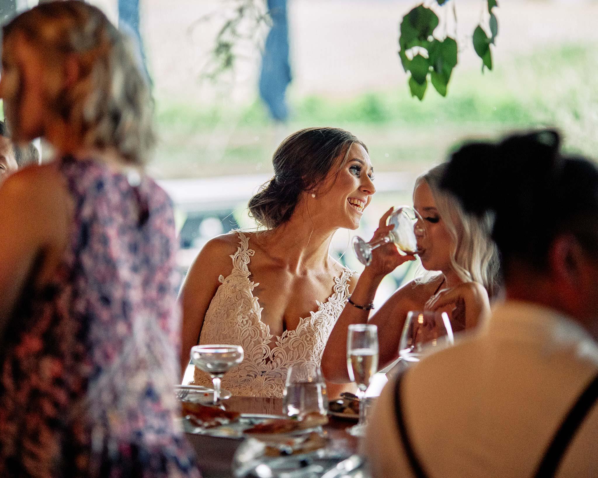 zonzo wedding photography reception bride dinner