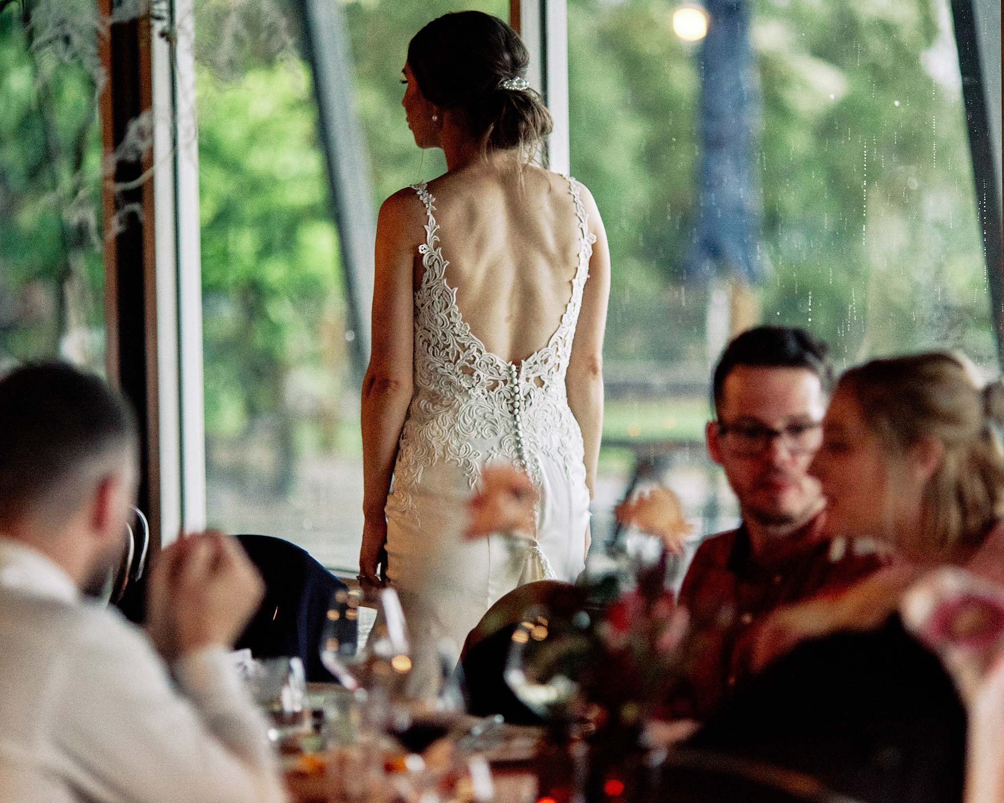 zonzo wedding photography reception bride back dress